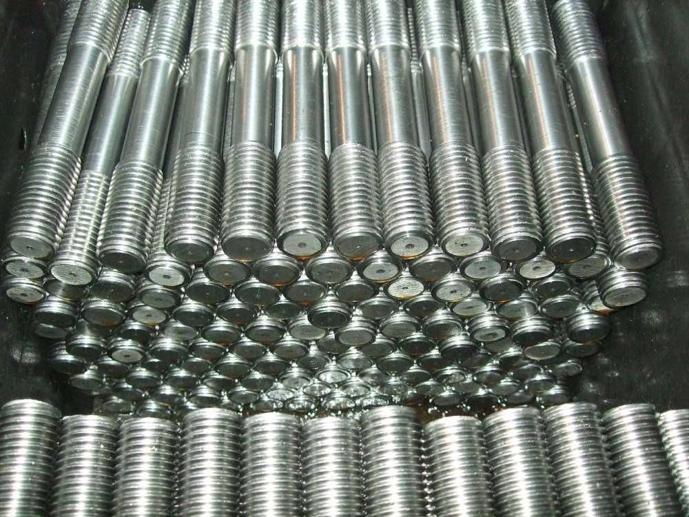 Метизная продукция для фланцевых соединений